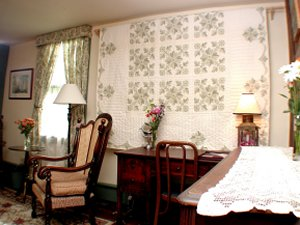 Russell Suite, Mystic Bed and Breakfast